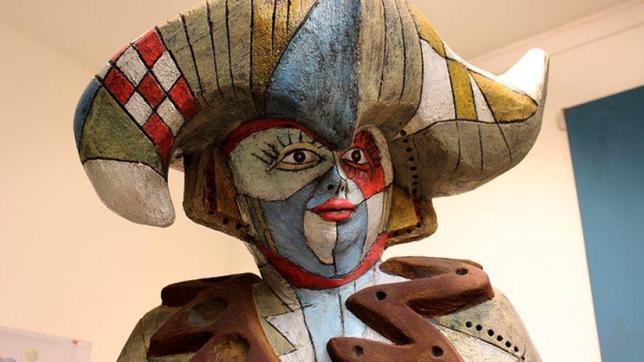 Ebenso wie Lady Gaga, die Müller als wetterfeste Skulptur umgesetzt hat. Das alles soll bald in einer Ausstellung zu sehen sein - das blaue Männchen ist natürlich nicht zuletzt auch eine Werbeaktion für Müllers Atelier.